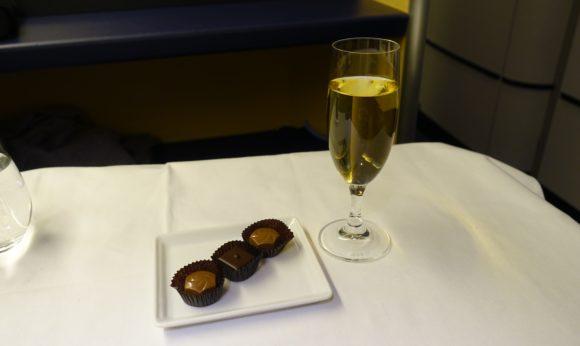 ANAファーストクラス 2018年 NH174(成田~ヒューストン) 機内食 チョコレート