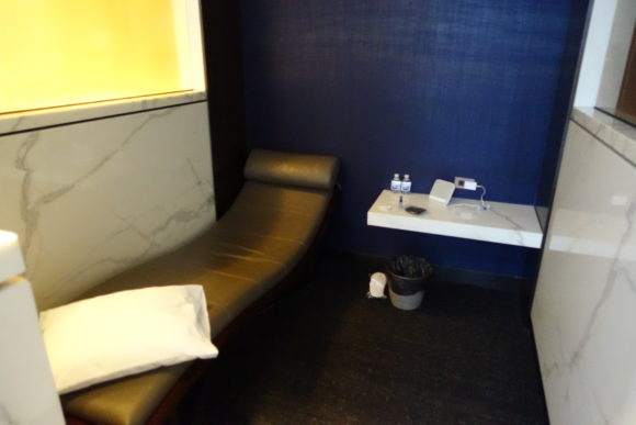 ユナイテッド・ポラリス・ラウンジ シカゴ・オヘア空港 仮眠室